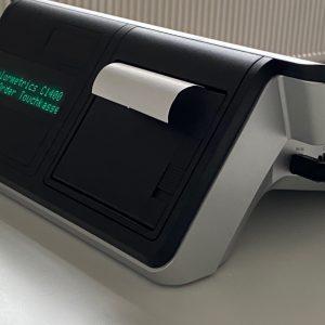 Colormetrics C1400 Touchkasse im Pultformat mit integriertem Bondrucker